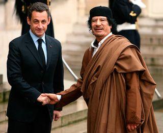 Sarkozy_kadhafi432