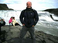 Barry Kirwan falls